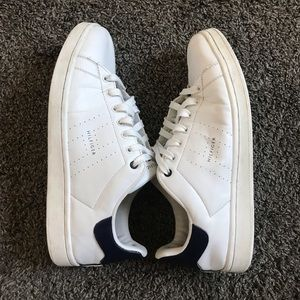 😍😍 White Tommy Hilfiger Sneakers 😍😍
